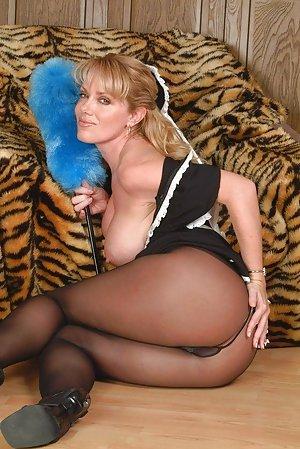 Big tit big booty white girl morning masturbation till hard orgasm 5